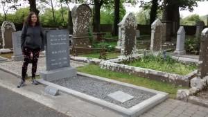 DinaatYeats'grave